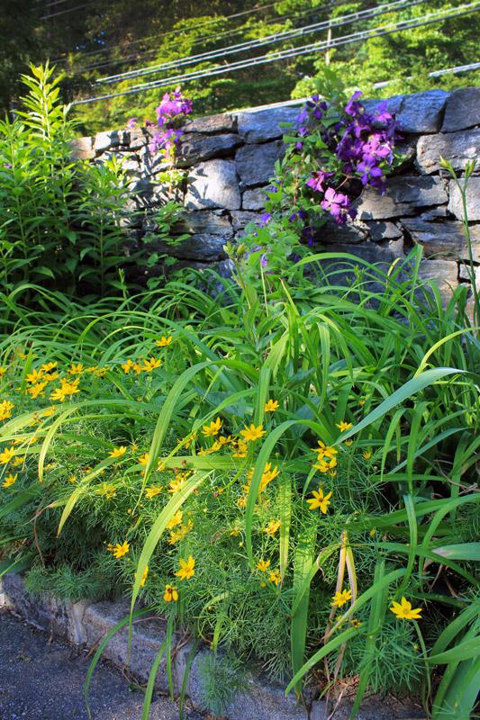 stone-wall-bed-timeless-gardens-ny