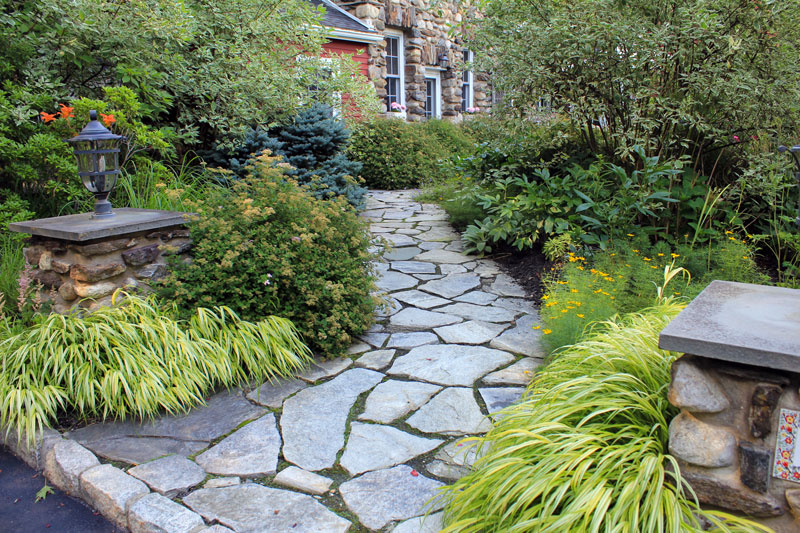 landscape-walk-timeless-gardens-ny